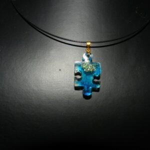 """Collier résine """" Puzzle """" turquoise"""